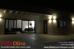 villa-olivo-at-night