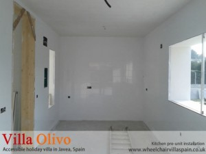 disabled-holiday-home-spain-kitchen-before-fitting