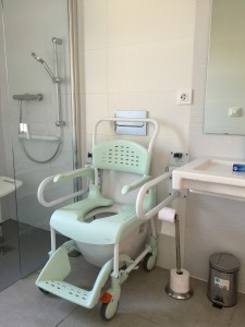 adapted-bathroom-spanish-holiday-villa-for-wheelchair-users