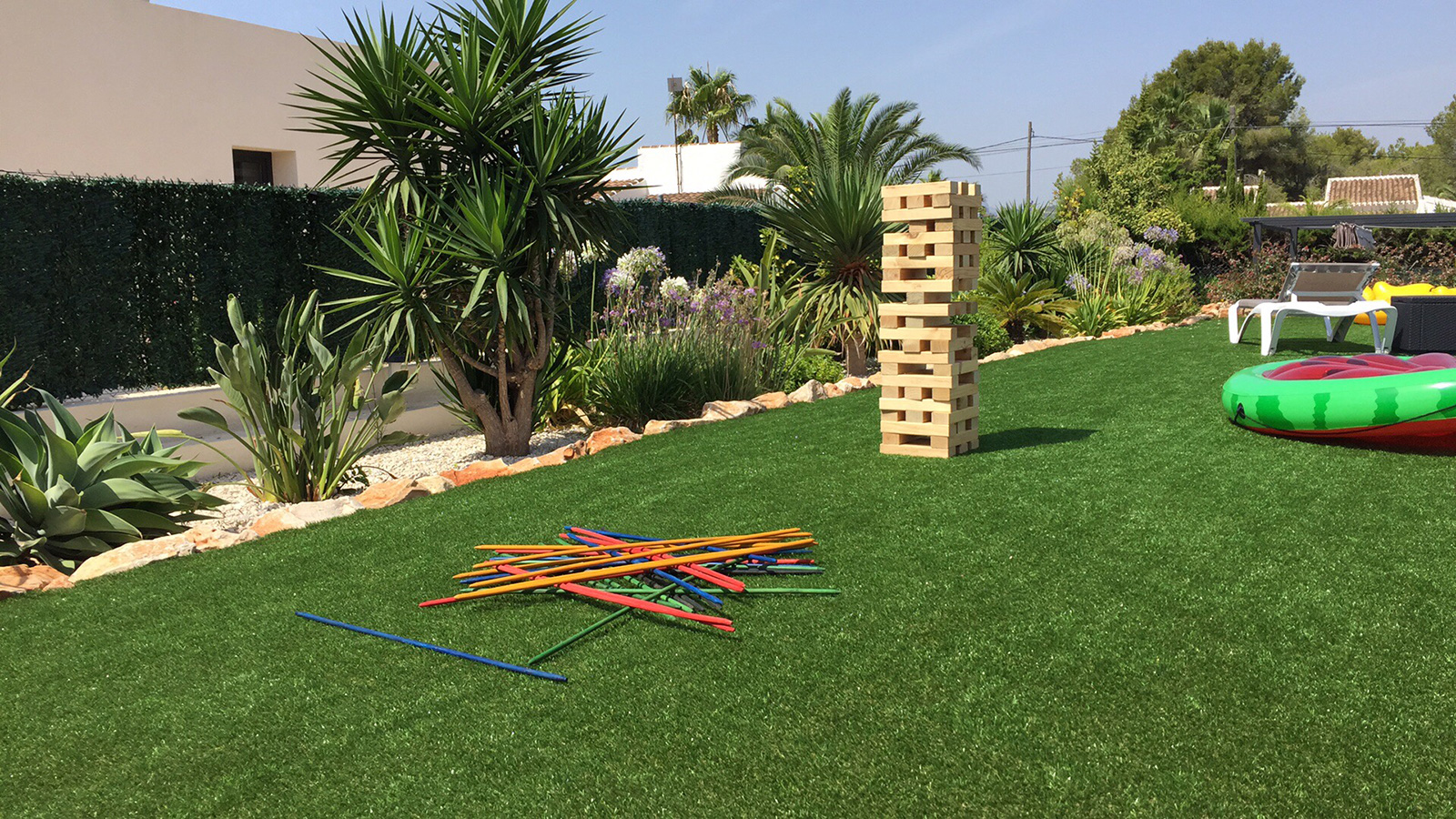 villa-holiday-in-spain-garden-games